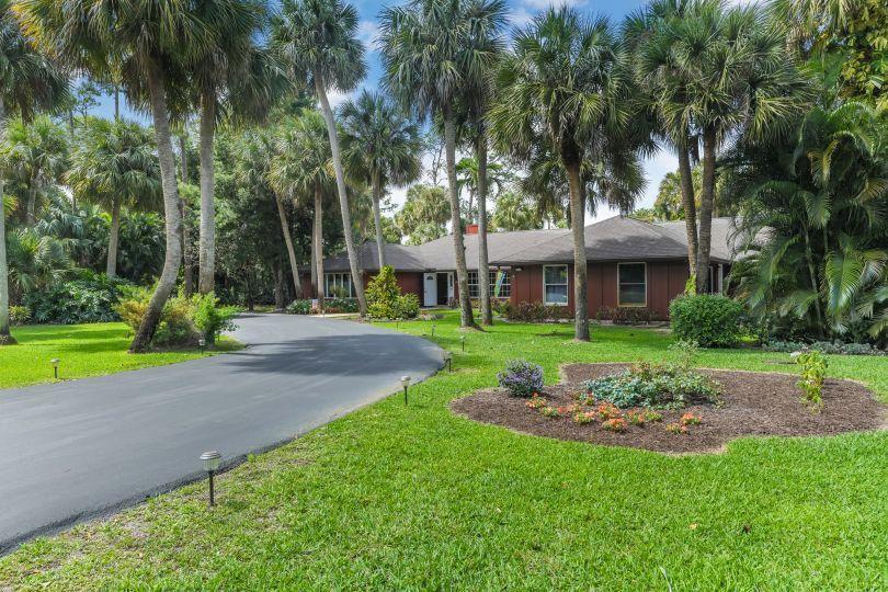 77 Pine Trail  West Palm Beach FL 33415