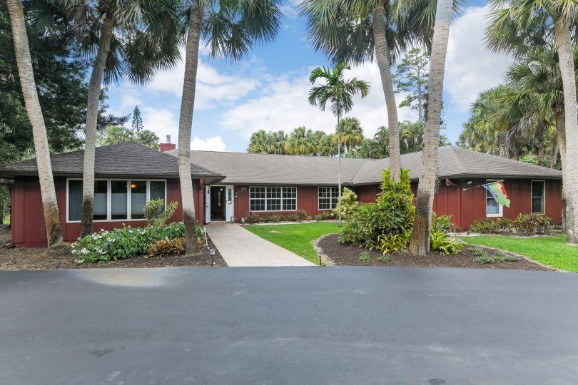 77 Pine Trail West Palm Beach, FL 33415