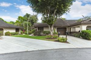 10056  Hickorywood Place  For Sale 10608955, FL