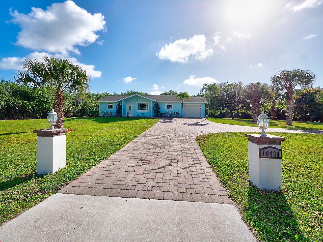 Home for sale in Pb Country Estates Palm Beach Gardens Florida