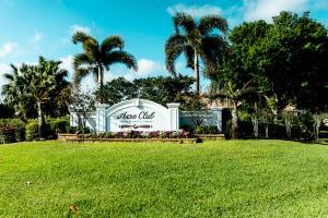 2835  Greenbriar Boulevard  For Sale 10605801, FL