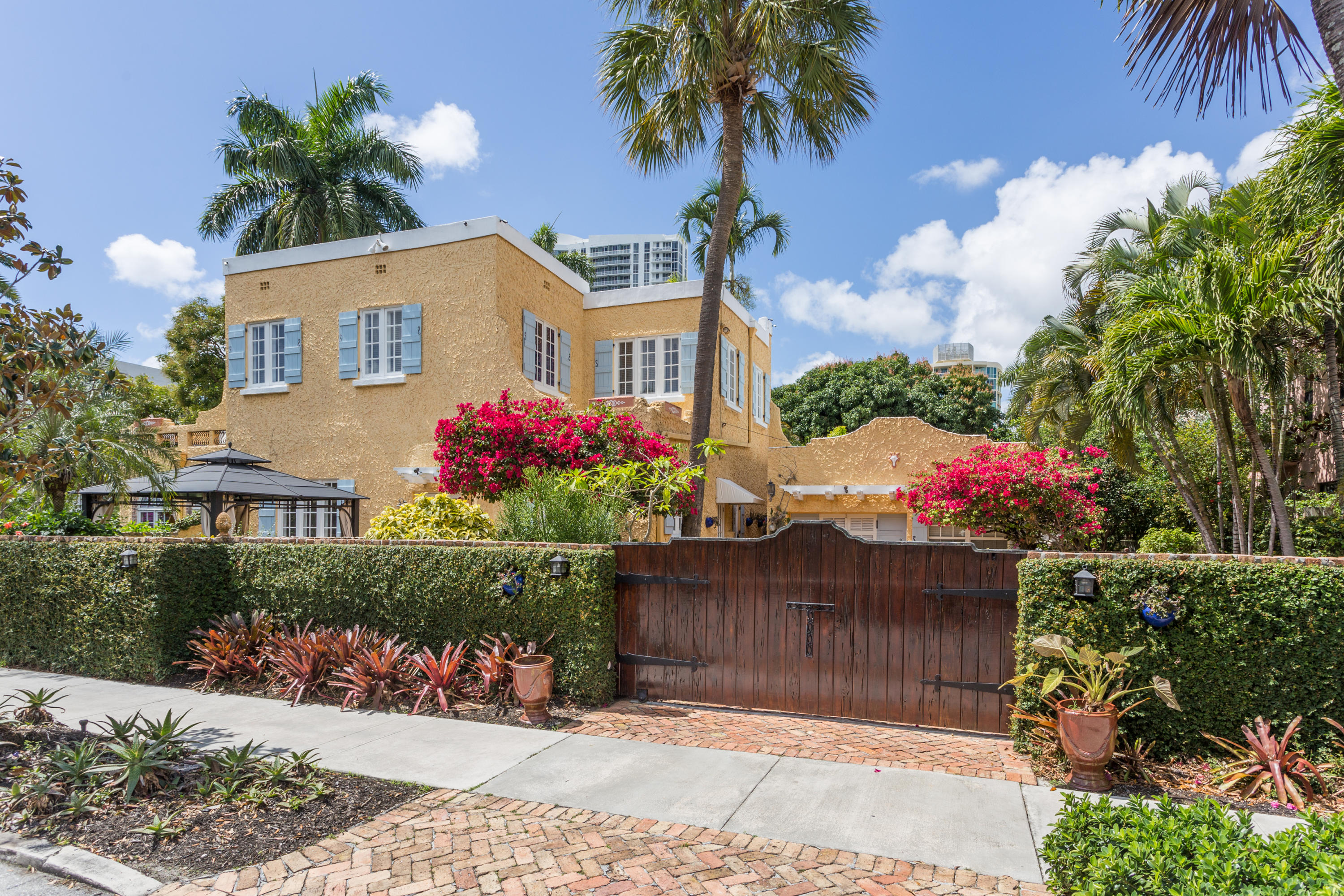 Home for sale in Colee Hammock Fort Lauderdale Florida