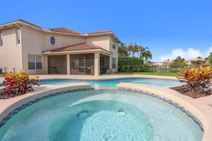 6483  Paradise Cv Cove  For Sale 10611330, FL