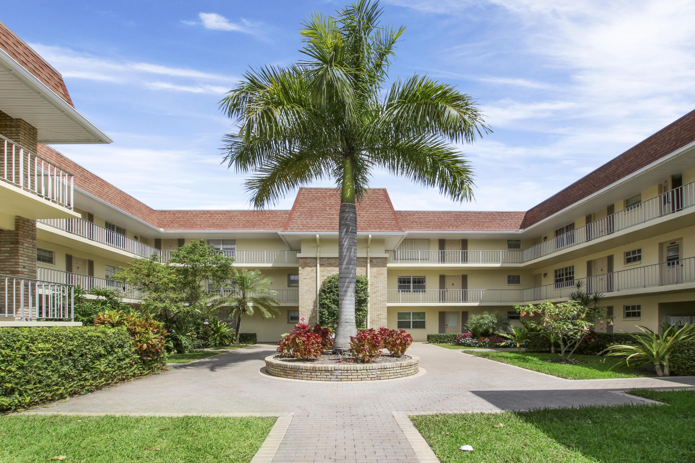 Home for sale in tamberlane 3 condo Palm Beach Gardens Florida