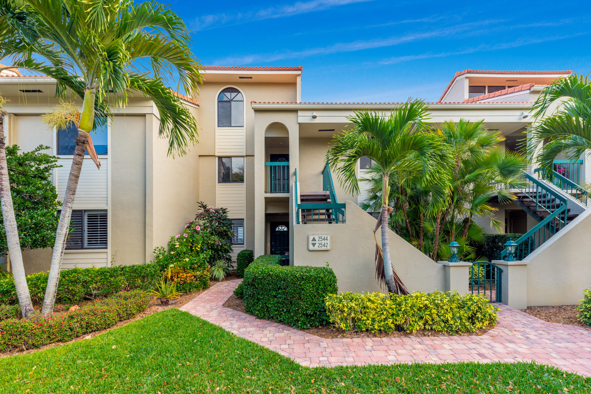 Home for sale in BAYHEAD VILLAGE, A CONDOMINIUM Palm City Florida