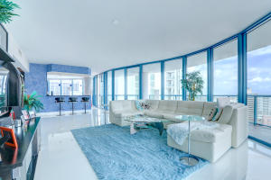 333 Las Olas Way 2807 Fort Lauderdale, FL 33301