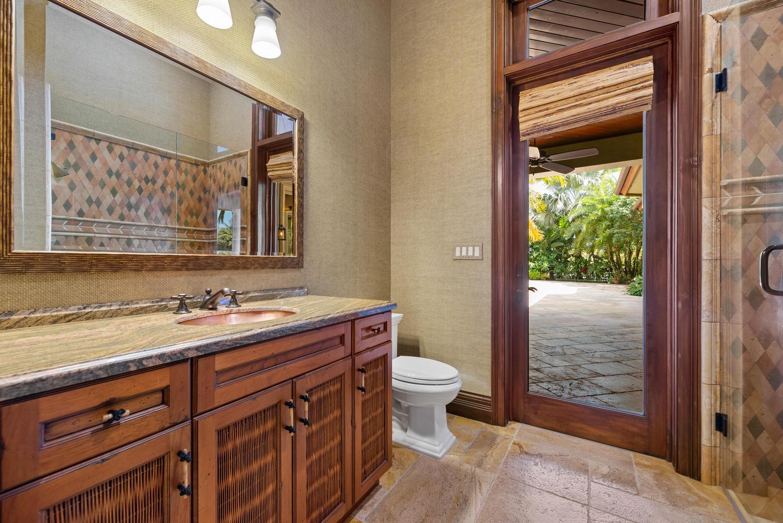 Cabana Full Bath