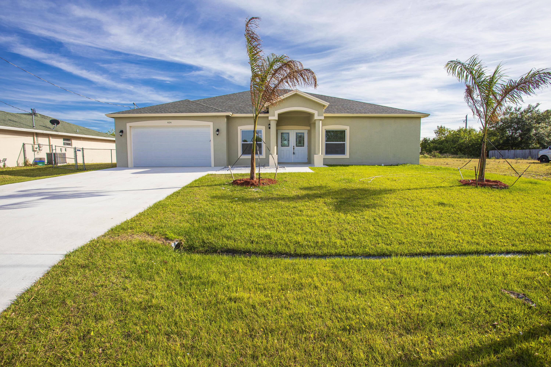Photo of 404 SW Ridgecrest Drive, Port Saint Lucie, FL 34953