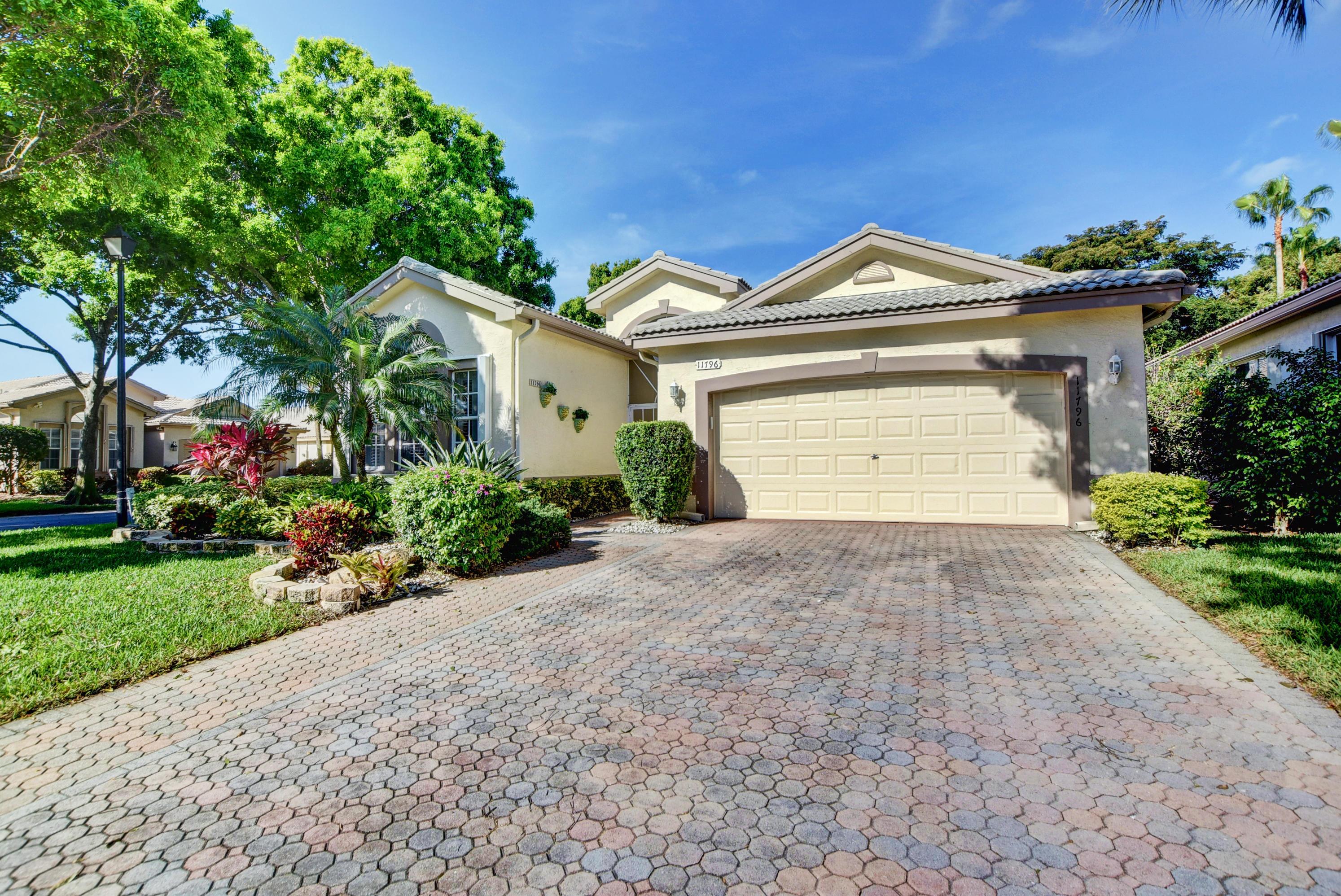 Home for sale in Valencia Lakes Boynton Beach Florida