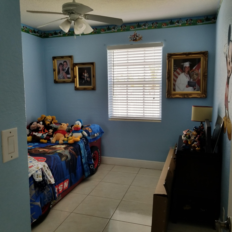 914 Bradley Court West Palm Beach, FL 33405 photo 17
