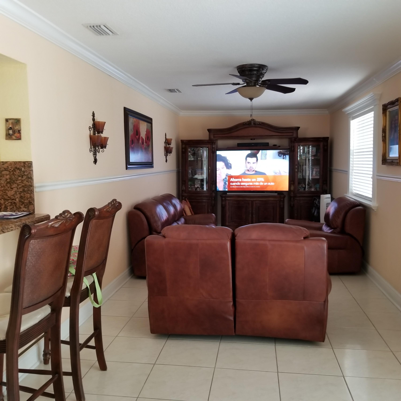 914 Bradley Court West Palm Beach, FL 33405 photo 9
