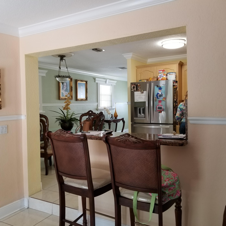 914 Bradley Court West Palm Beach, FL 33405 photo 10