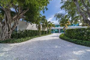 2299  Ibis Isle Road  For Sale 10610864, FL