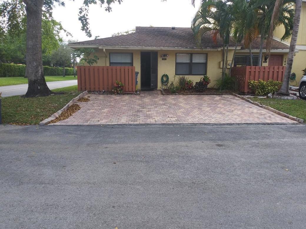 16421 Berry Way  Delray Beach, FL 33484