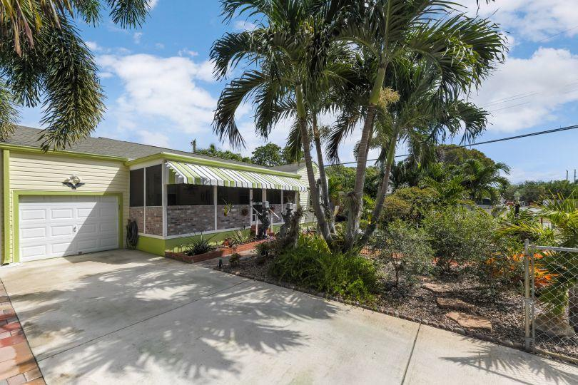 713 Rockland Drive West Palm Beach, FL 33405 small photo 3