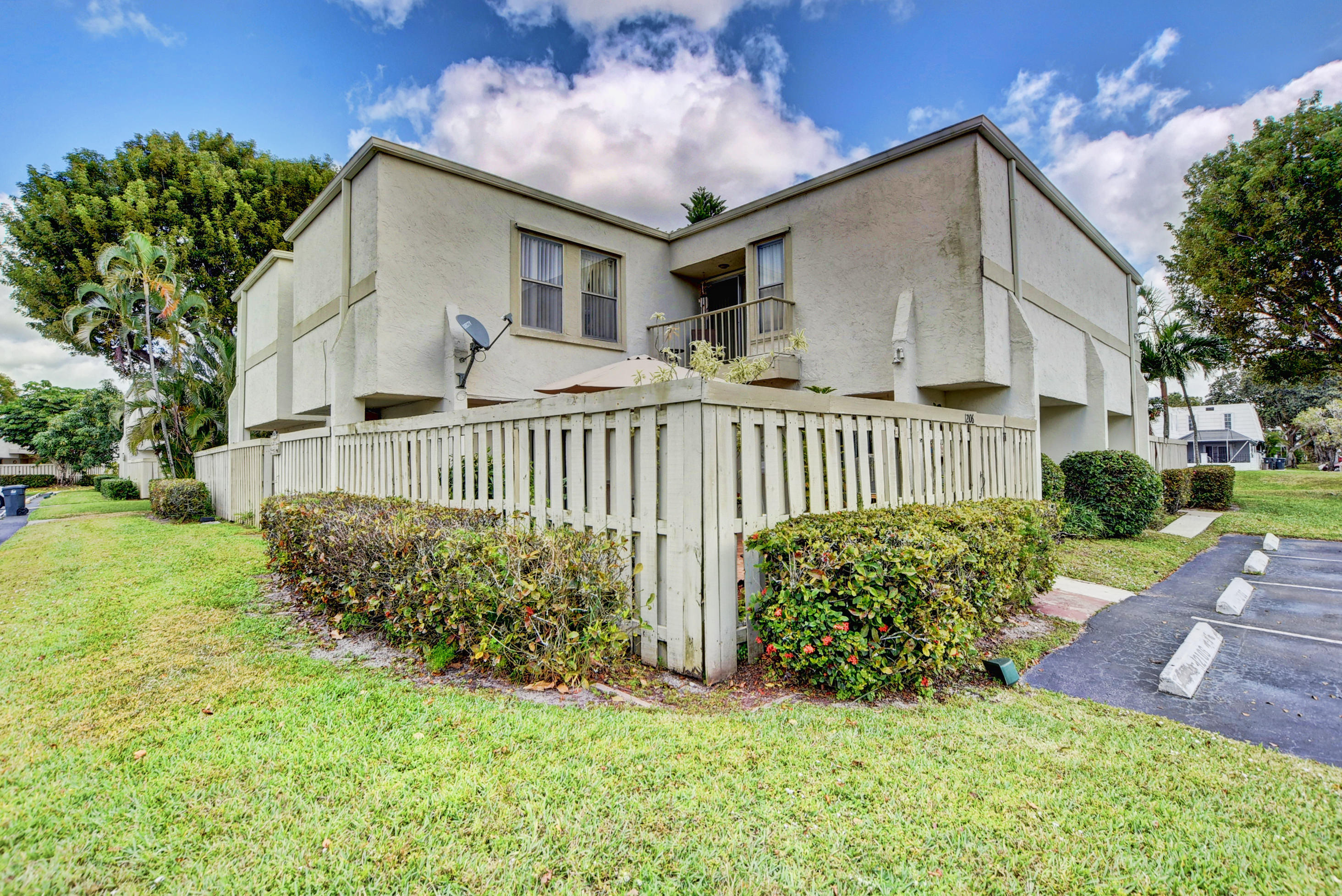 Home for sale in FRENCH QUARTER Wellington Florida