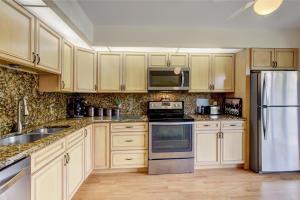 3693 N Quail Ridge Drive  For Sale 10611420, FL