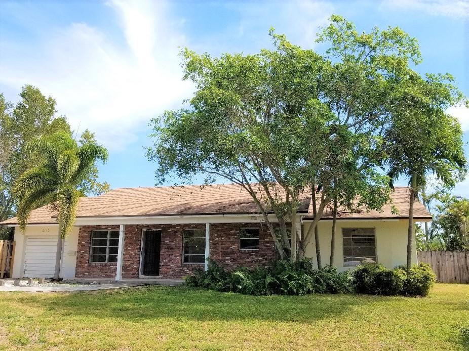 6630 Mango Circle Lake Clarke Shores, FL 33406