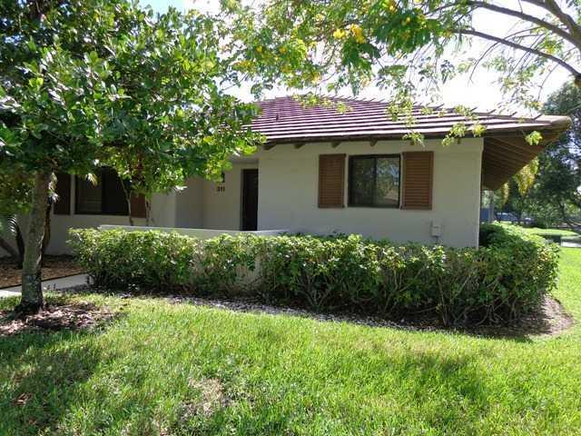 311 Club Drive, Palm Beach Gardens, Florida 33418, 2 Bedrooms Bedrooms, ,2 BathroomsBathrooms,F,Villa,Club,RX-10612401
