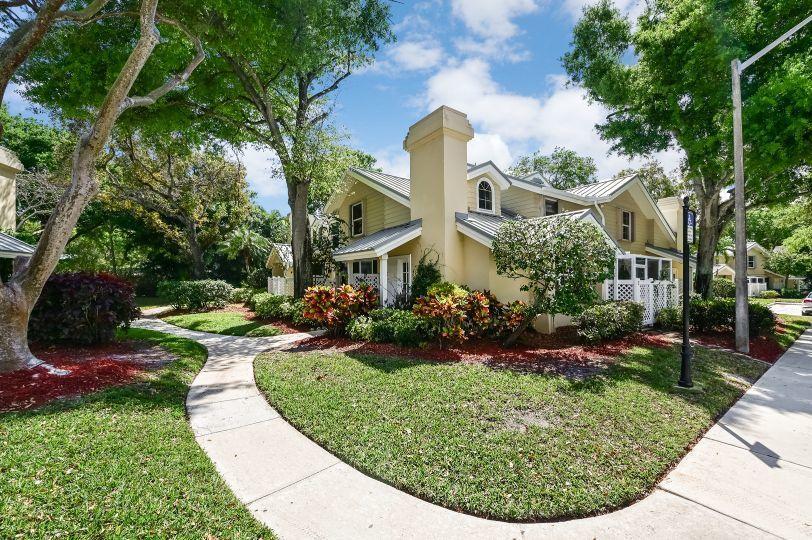 403 Andover Court Boynton Beach, FL 33436 photo 2