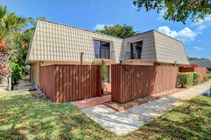 1700  Embassy Drive 804 For Sale 10612711, FL