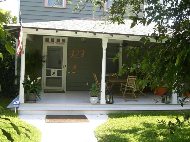 323 Mango Promenade  West Palm Beach, FL 33401