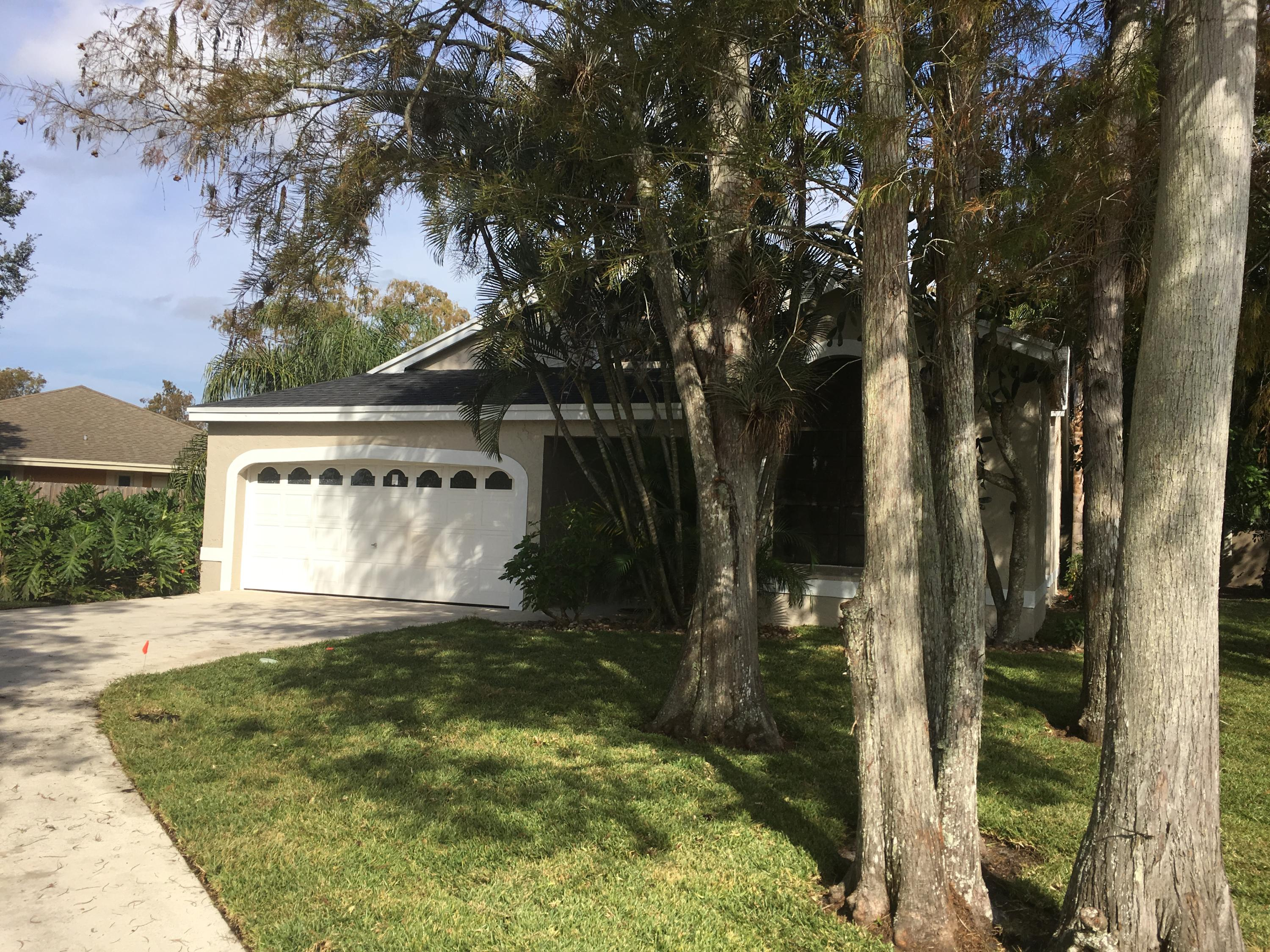 1627 Firethorn Drive, Wellington, Florida 33414, 3 Bedrooms Bedrooms, ,2 BathroomsBathrooms,Rental,For Rent,Firethorn,RX-10612710
