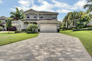 9949  Steamboat Springs Circle  For Sale 10612771, FL