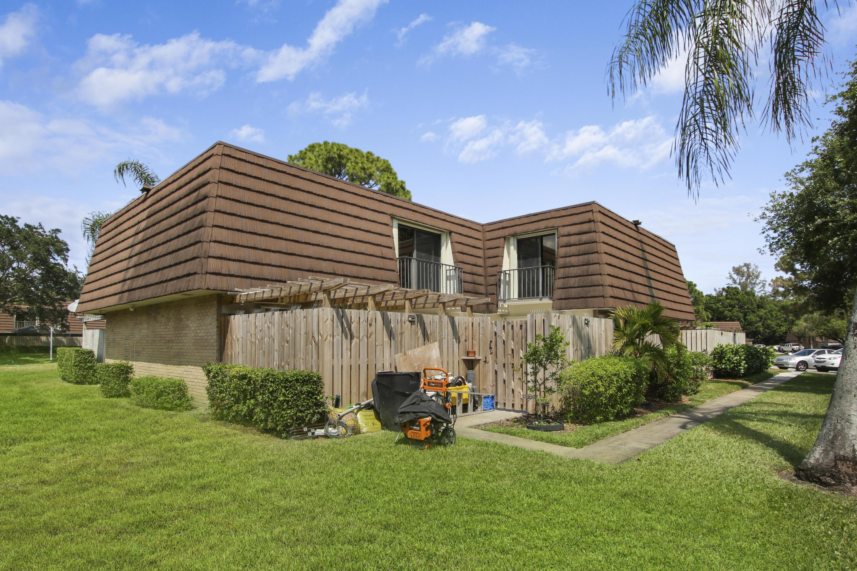 Home for sale in Garden Lakes Palm Beach Gardens Florida