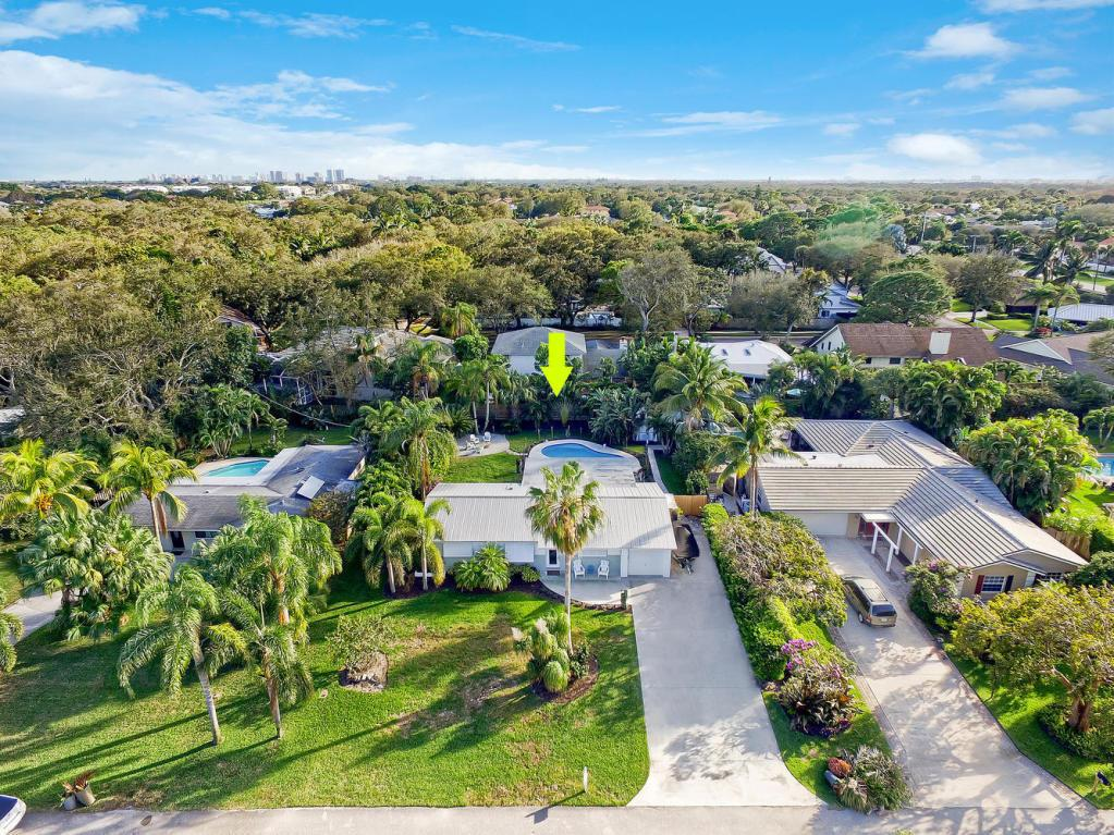Home for sale in holly lane park Palm Beach Gardens Florida