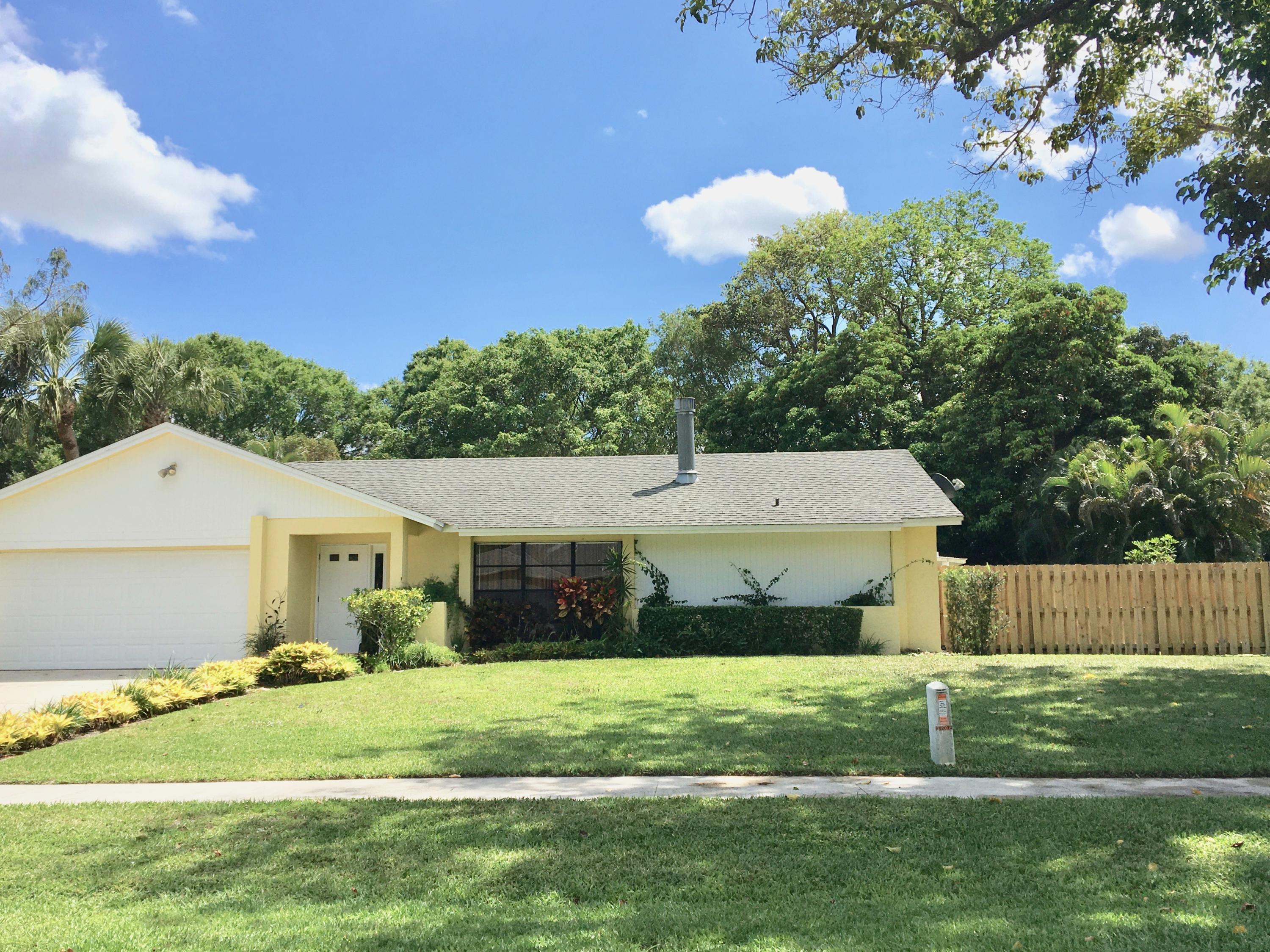 12072 Old Country Road  Wellington FL 33414