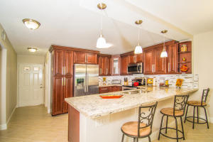 9070  Tracy Court 5 For Sale 10613209, FL