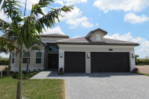 9301  Seahorse Bay Drive  For Sale 10586590, FL