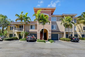 6573  Emerald Dunes Drive 207 For Sale 10603892, FL