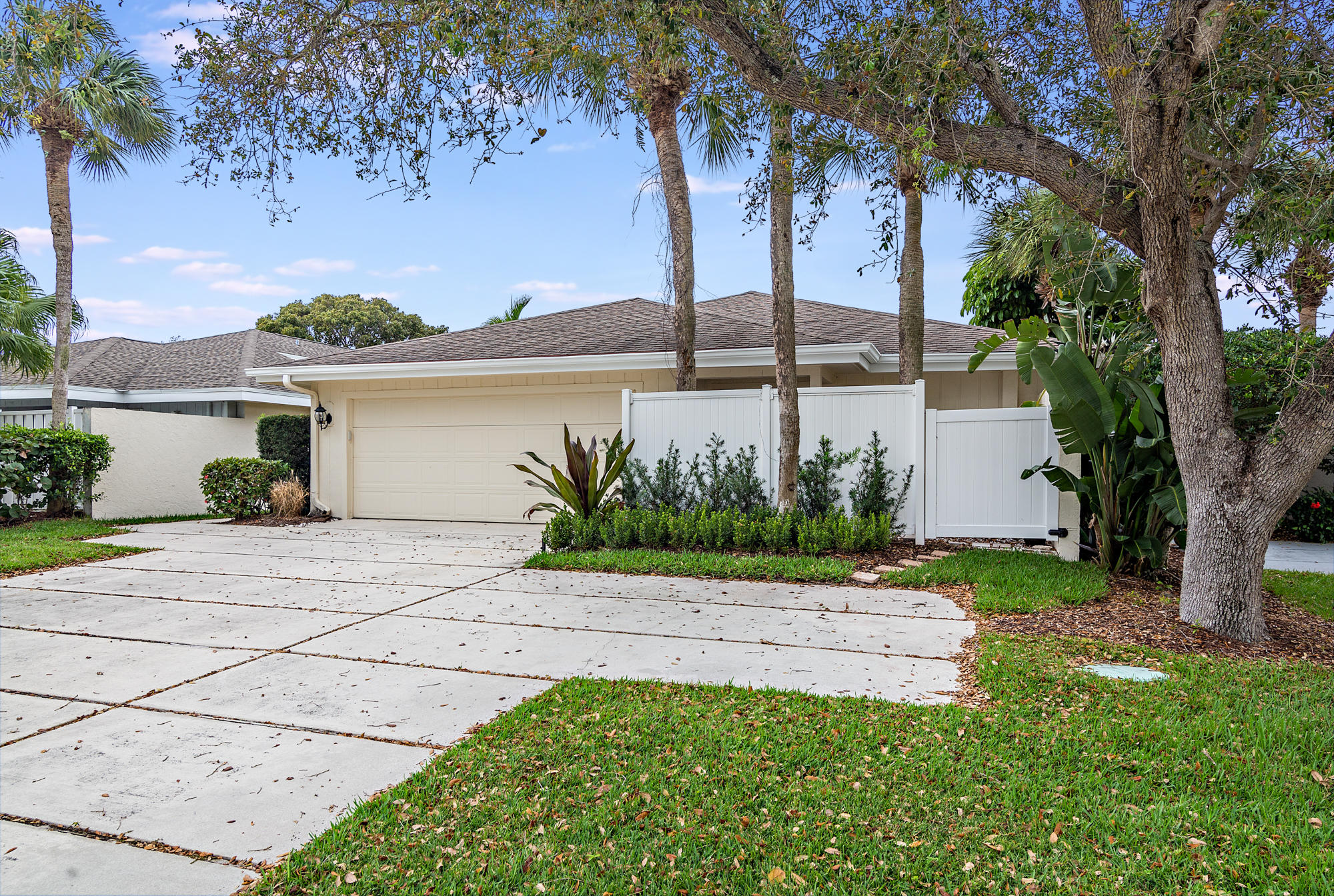 17105 Bay Street, Jupiter, Florida 33477, 3 Bedrooms Bedrooms, ,2 BathroomsBathrooms,F,Single family,Bay,RX-10613411