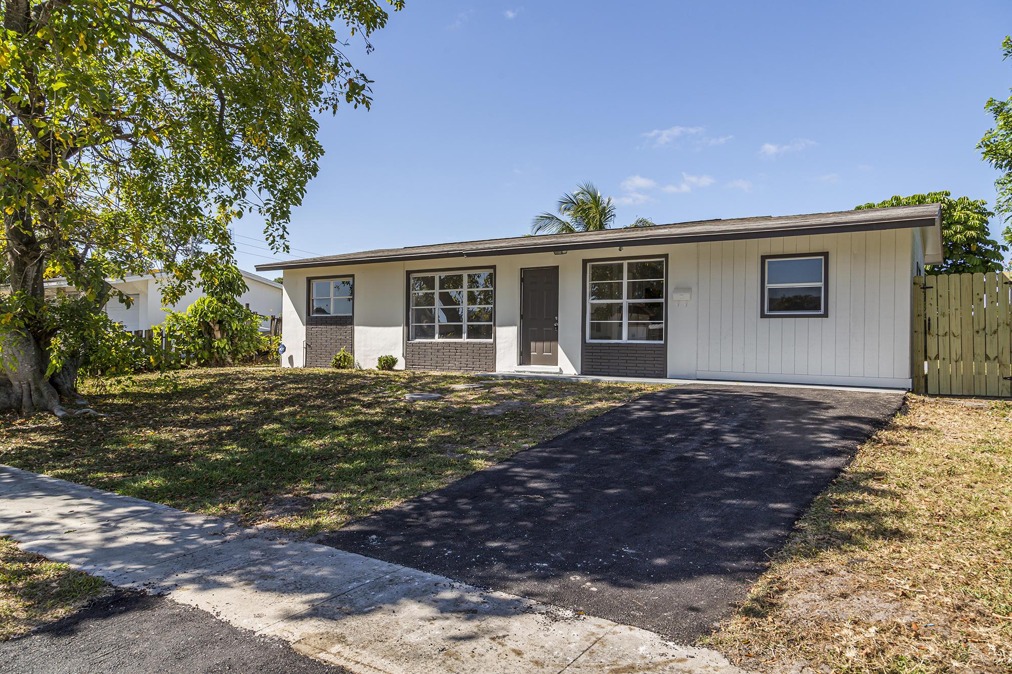 3969 Kewanee Road Lake Worth, FL 33462