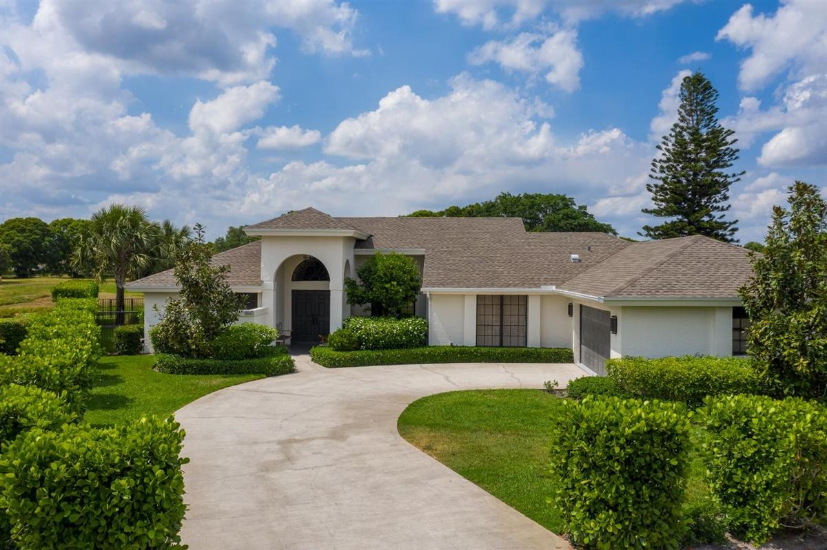 Home for sale in GREENVIEW SHORES 2 OF WELLINGTON Wellington Florida