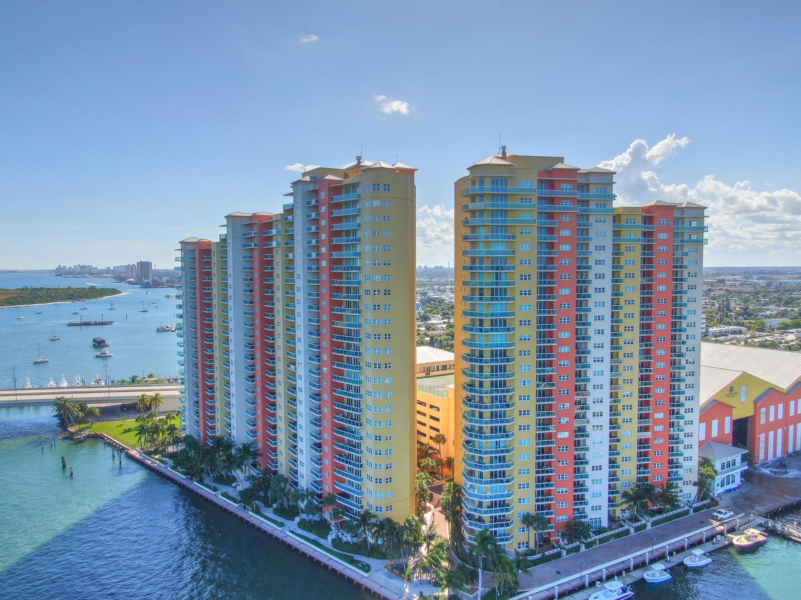 2650 Lake Shore Drive 102, Riviera Beach, Florida 33404, 2 Bedrooms Bedrooms, ,2.1 BathroomsBathrooms,F,Condominium,Lake Shore,RX-10615016