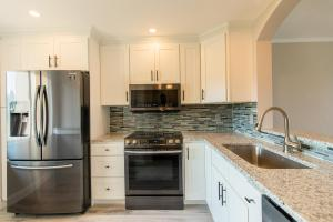 14307  Bedford Drive 204 For Sale 10613926, FL