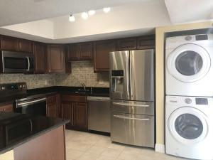 1598  Shaker Circle  For Sale 10614240, FL