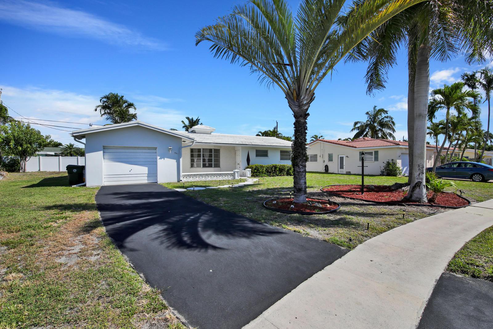301 NE 24th Street  Boca Raton, FL 33431