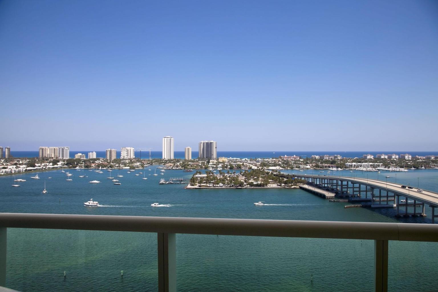 2640 Lake Shore Drive Drive 1907, Riviera Beach, Florida 33404, 2 Bedrooms Bedrooms, ,2.1 BathroomsBathrooms,F,Condominium,Lake Shore Drive,RX-10614655