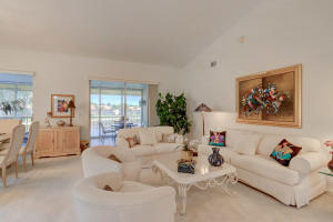 9841  Seacrest Circle 201 For Sale 10614359, FL