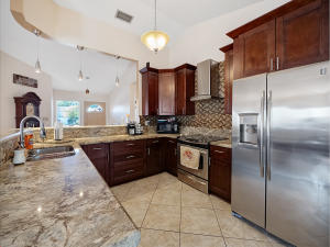 9846  Goldenrod Drive  For Sale 10614536, FL