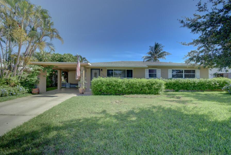275 NE 28th Ter Terrace  Boca Raton, FL 33431