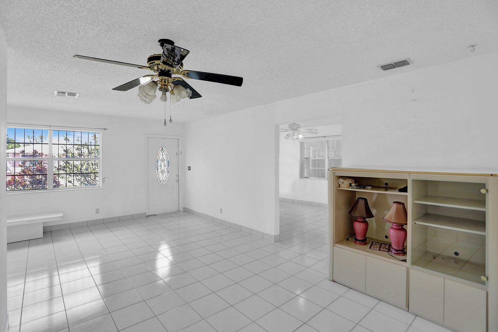 2624 Oklahoma Street  West Palm Beach, FL 33406
