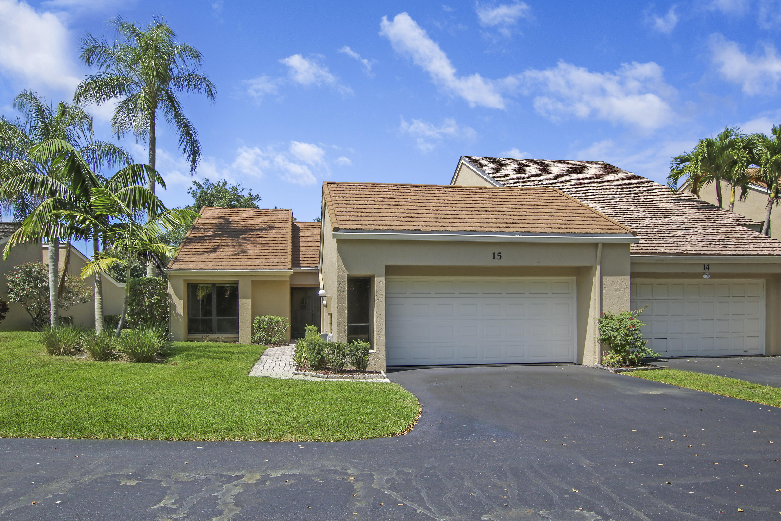 Home for sale in villas of burwick replat Palm Beach Gardens Florida