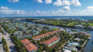 3027  Waterside Circle  For Sale 10614761, FL