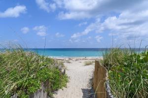 2505 S Ocean Boulevard 205 For Sale 10614877, FL