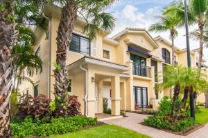 2915  Tuscany Court 101 For Sale 10615278, FL